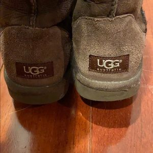 BEOWN TALL UGGS